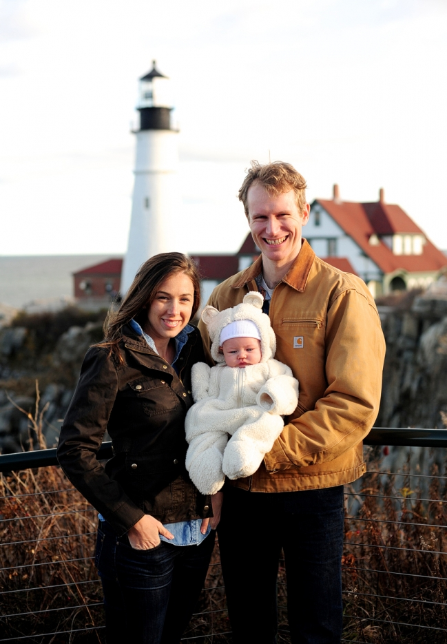 maine baby photographer, fort williams park, portland head light, winter family session