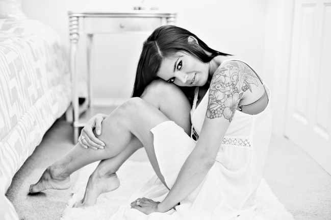 sultry black and white boudoir photos